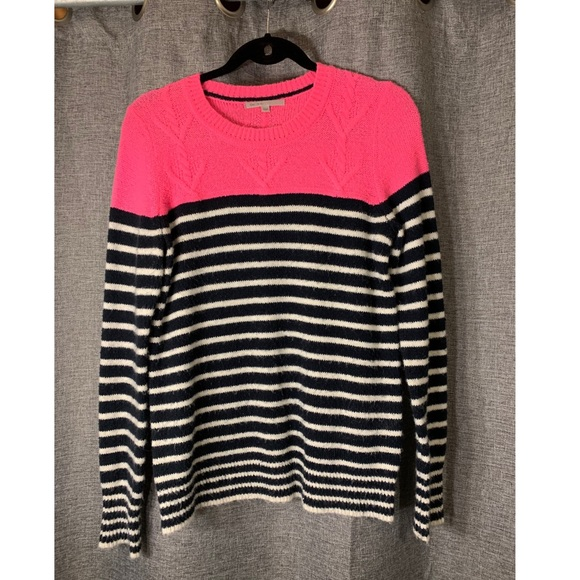 GAP Tops - GAP Sweater